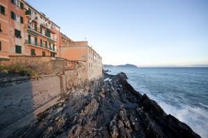 Genova Quinto, veduta dal civico 3 di via Gianelli
